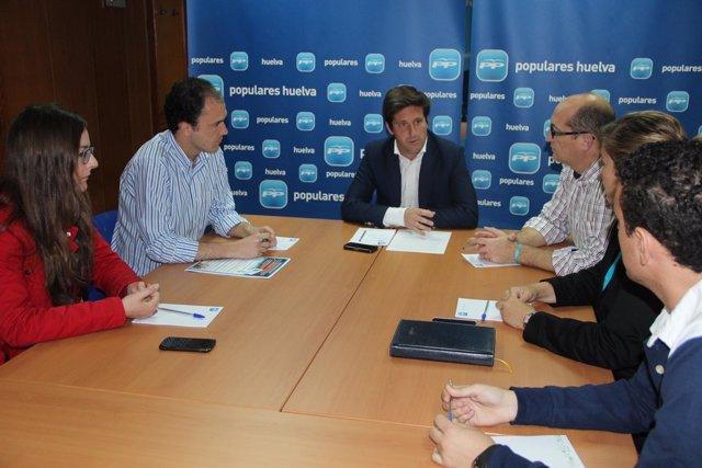 El portavoz del PP en la Diputación, Guillermo García Longoria, en una reunión.