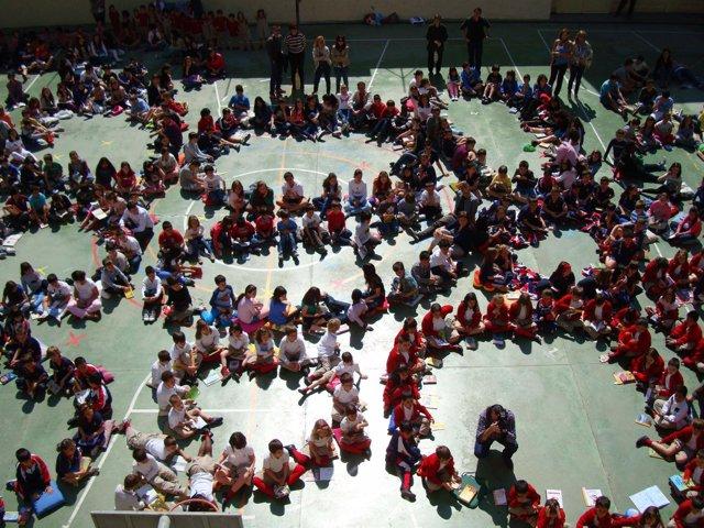 450 Estudiantes De La Sagrada Familia Protagonizan Una Lectura Colectiva