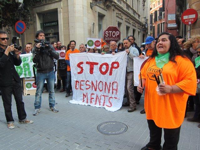 Ángela Pons en la manifestación por los desahucios de este ,artes