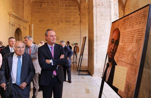 Brines y Fabra visitan la exposición