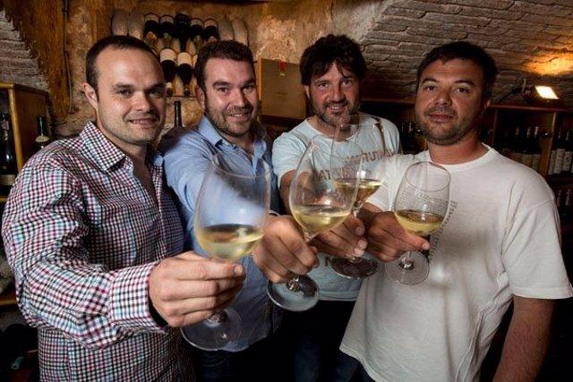 Enólogos A.Torrente y R.Santana, viticultores R.Jané y A.Carbó