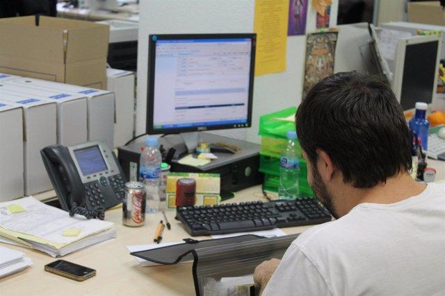 FUNCIONARIO, TRABAJO, ORDENADOR, INTERNET, FUNCIONARIADO