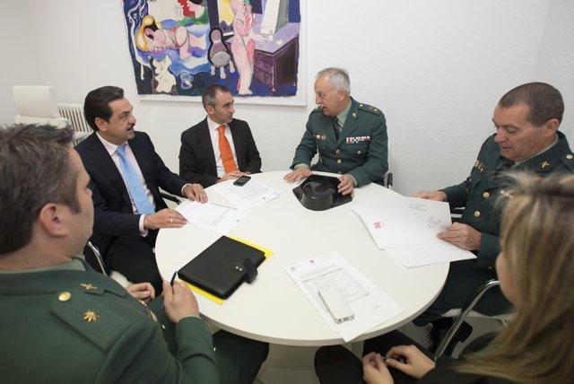 Reunión de la Comisión Mixta Diputación.Guardia Civil