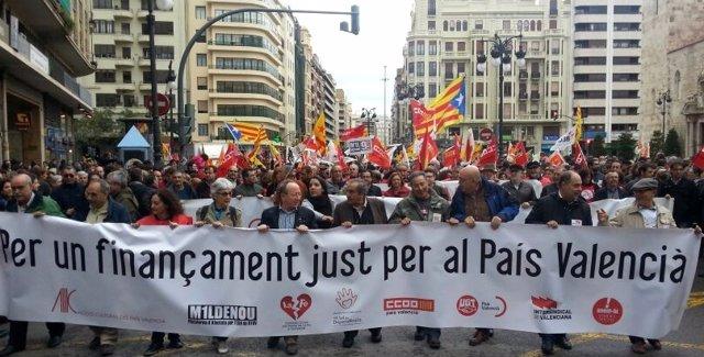 Cabecera de la manifestación del 25 d'Abril en Valencia