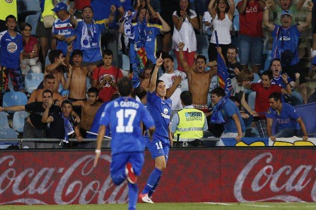 Barrada y Diego Castro celebran un gol del Getafe