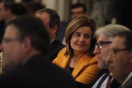 """Báñez dice que la bajada del paro en abril """"alienta"""" al Gobierno para seguir trabajando por el empleo"""