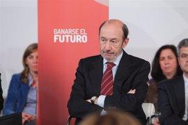 Rubalcaba defiende su plan de utilizar el dinero del fondo del rescate, pero adelanta que propondrá otras fórmulas