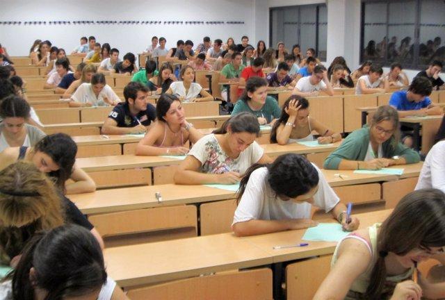 Estudiantes, Alumnos, US, Examen, Selectividad, PAU