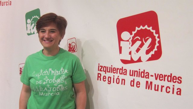 Esther Herguedas muestra su apoyo a la Huelga educativa