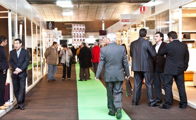 RNE emite dos programas desde la Feria del Mueble Yecla para todo el país