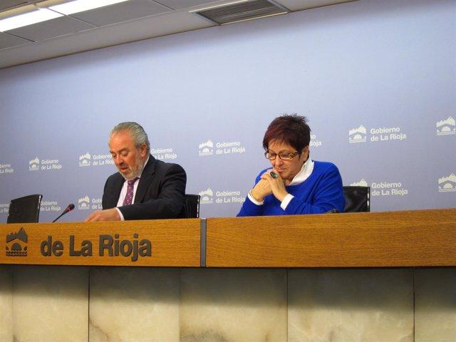 El consejero de Salud, José Ignacio Nieto, y la directora general de SS, Corral