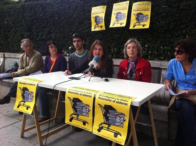 Integrantes del 15-M presentando acciones del segundo aniversario