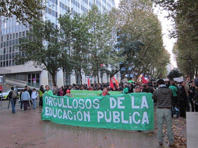 Manifestación en defensa de la educación pública celebrada el 10 de noviembre
