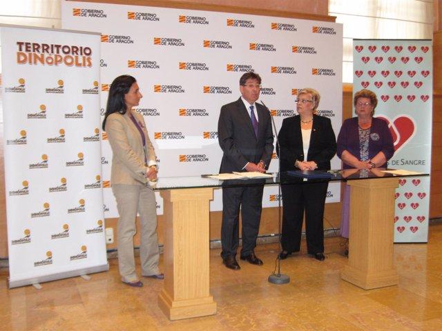 Dinópolis mantiene su apoyo a Donantes de Sangre de Aragón