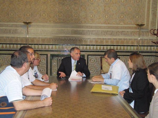 El subdelegado del Gobierno se reúne con la familia de Joyanes