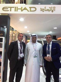 Bendodo reunido con un directivo de Etihad en Dubai ATM Costa del Sol