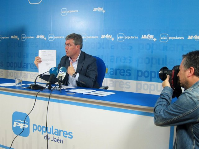 Fernández de Moya, hoy en la rueda de prensa sobre la Ciudad de la Justicia.
