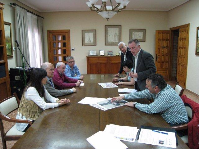 Reunión sobre la rotonda en Cintruénigo.