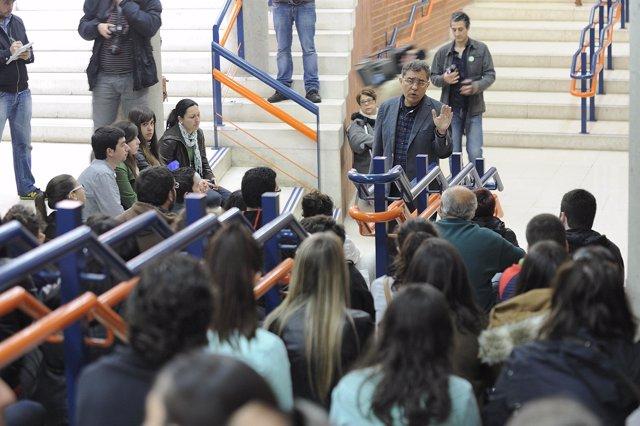 Protesta de alumnos y personal de la UC