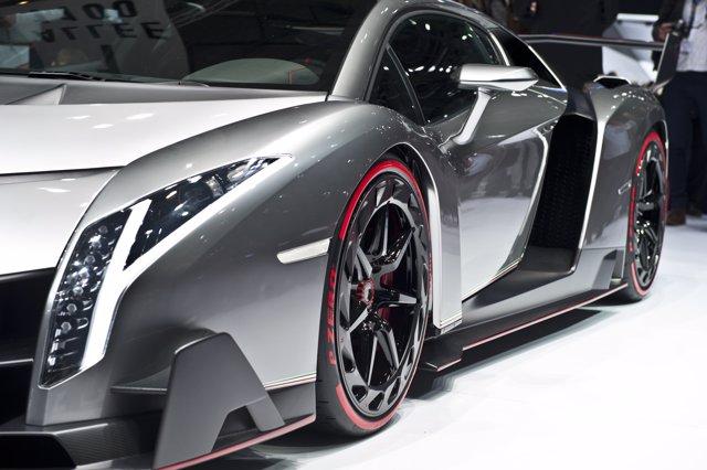 Pirelli y Lamborghini celebran su 50 aniversario