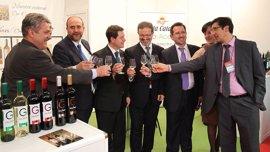 García-Page destaca la proyección de FENAVIN y su contribución a un sector clave para Castilla-La Mancha