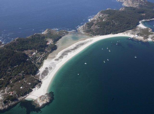 La Playa De Rodas (Islas Cíes)