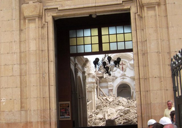 Iglesia De Santiago De Lorca Tras El Terremoto