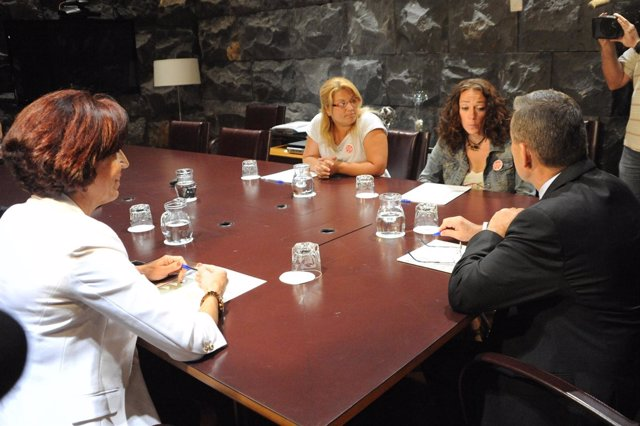 Reunión entre el Gobierno y PAH Tenerife