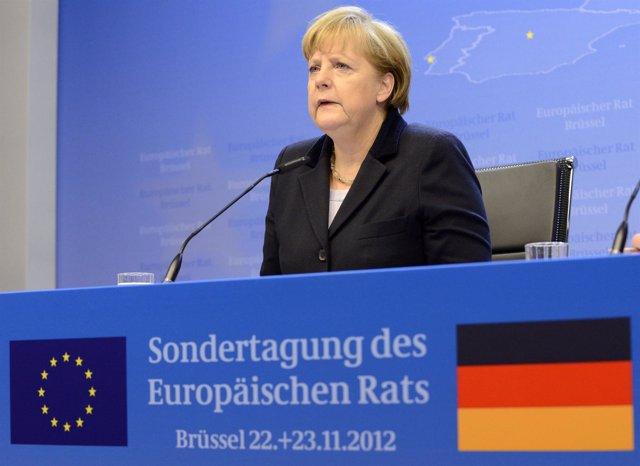 Angela Merkel comparece tras la cumbre sobre el presupuesto