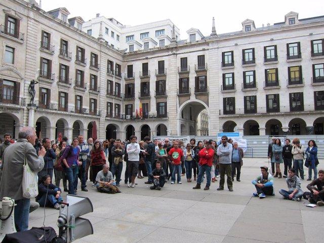 El 15 M regresa a la Porticada de Santander