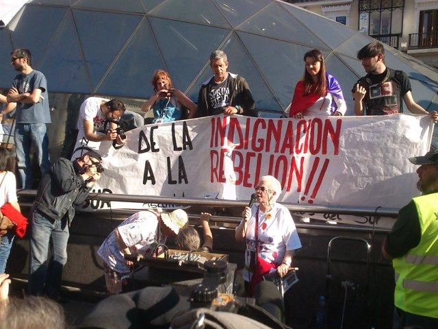 Yayoflautas en la manifestacion del segundo aniversario del 15M