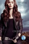 Lily Collins como Clary Fray