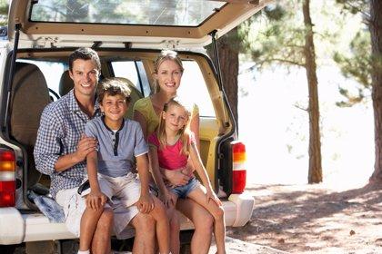 Diferencias entre hombres y mujeres al viajar en coche en familia