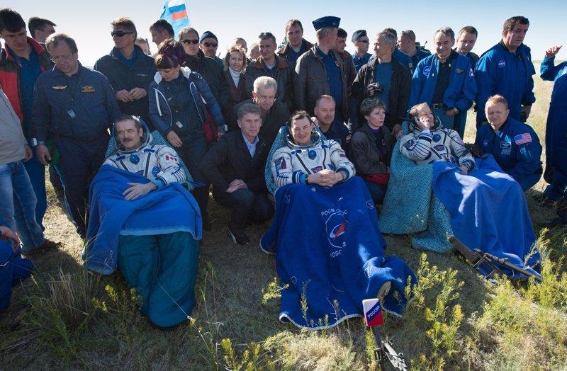 Tres astronautas de la Estación Espacial llegan a la Tierra