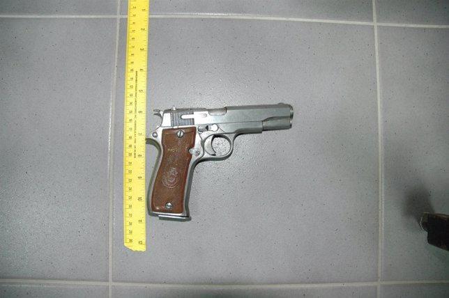 Pistola intervenida en robo en Rairiz de Veiga (Ourense)