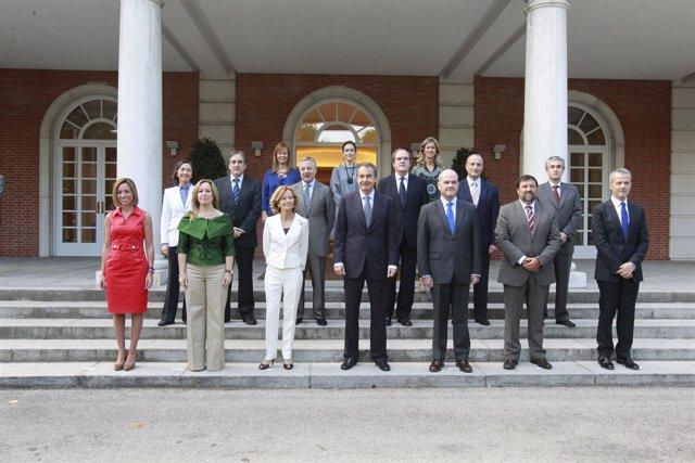 Nuevo Gobierno De Zapatero, Sin Rubalcaba Y Con Camacho Como Ministro Interior