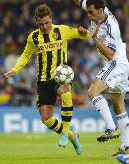 Mario Gotze (Borussia Dortmund) y Álvaro Arbeloa (Real Madrid)