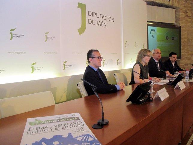 Presentación de la I Feria del Vehículo Ligero hoy