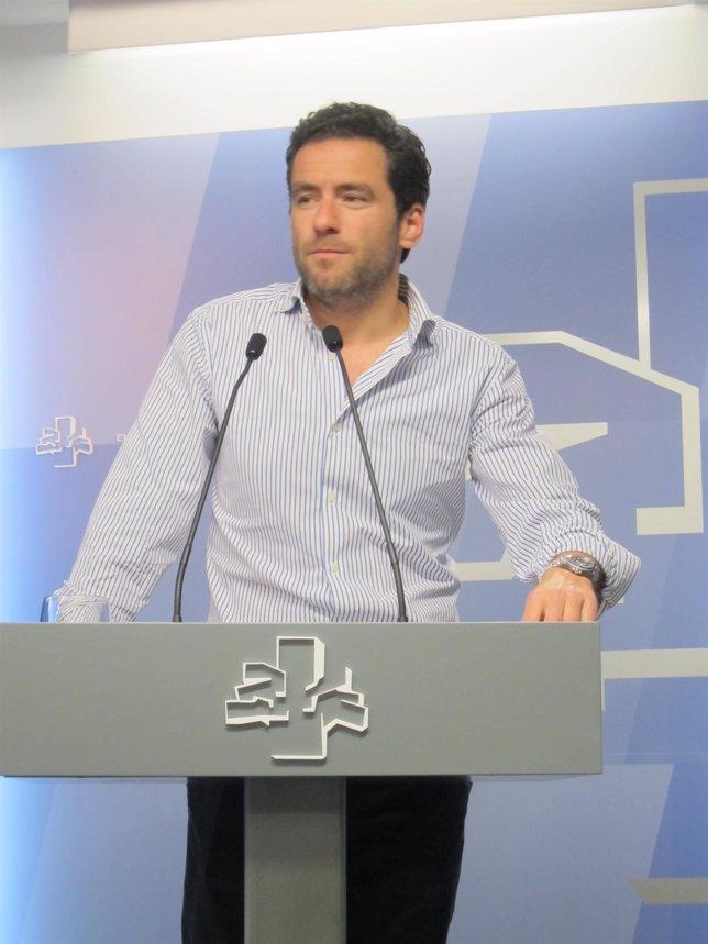 El portavoz adjunto del PP en el Parlamento, Borja Semper