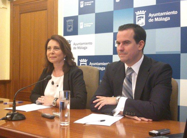 Esther Molina, y el director general de Promoción E Ignacio López malaga
