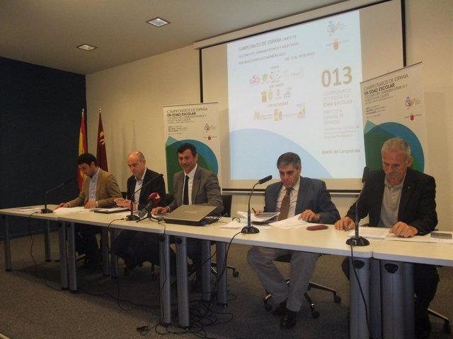 Peñalver, en el centro, junto con Martínez, Hueli, Llamas y Montesinos
