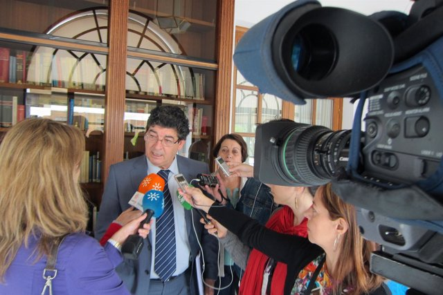 Diego Valderas, atiende hoy a los medios