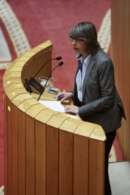 Rosa Quintana en el  Pleno del Parlamento