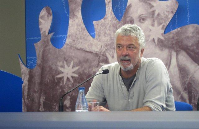 El actor y director de teatro Adolfo Fernández en el Teatro Liceo de Salamanca