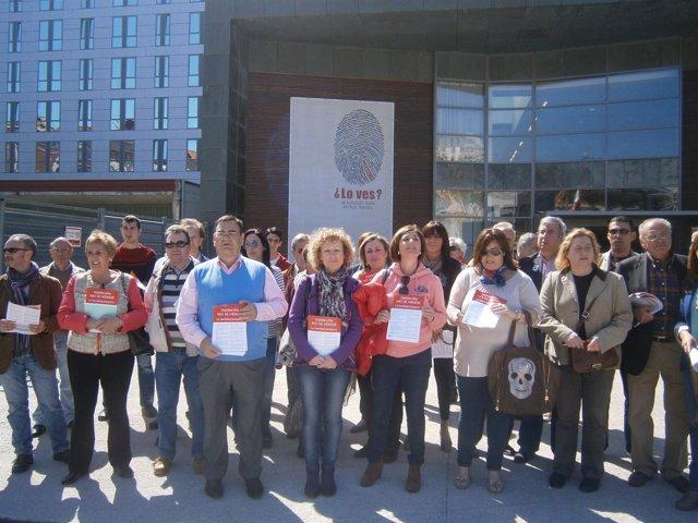 Campaña del PSOE contra la privatización de Valdecilla