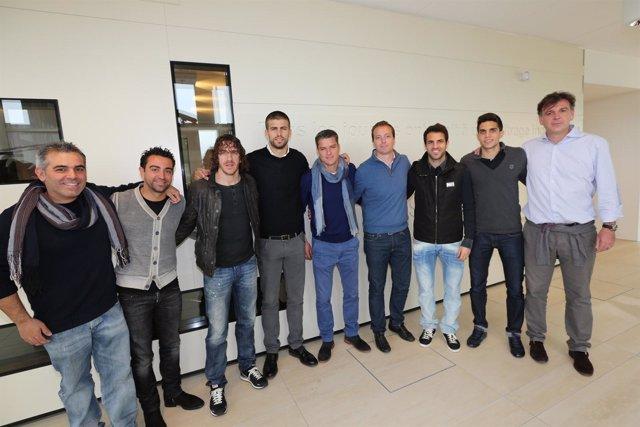Xavi, Puyol, Cesc, Piqué y Bartra visitan FIFPro