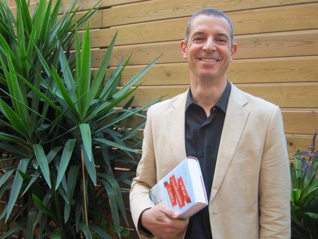 El novelista Andrés Vidal