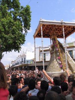 La Virgen Del Rocío, En Procesión En 2010