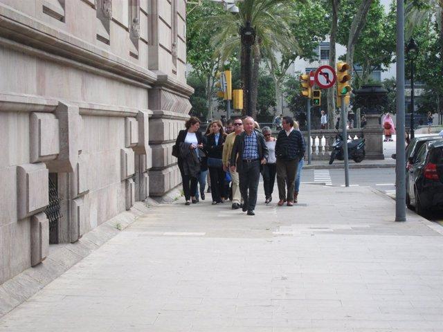Alcaldesa de Montcada M.E.Pérez (2ªizquierda) llega a declarar en caso Mercurio