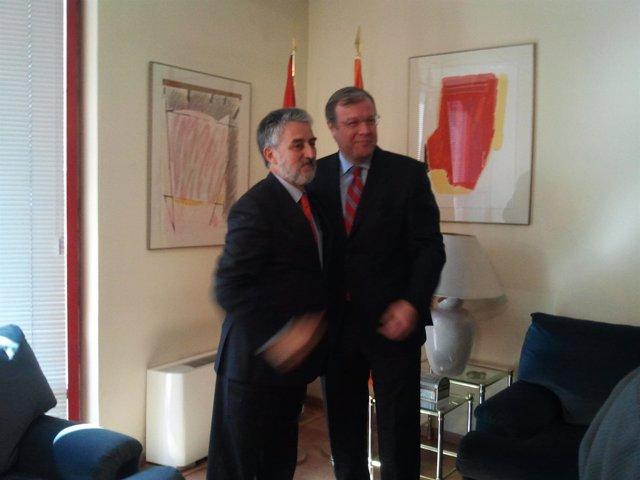 El consejero de Fomento de CyL junto al director de Protección Civil